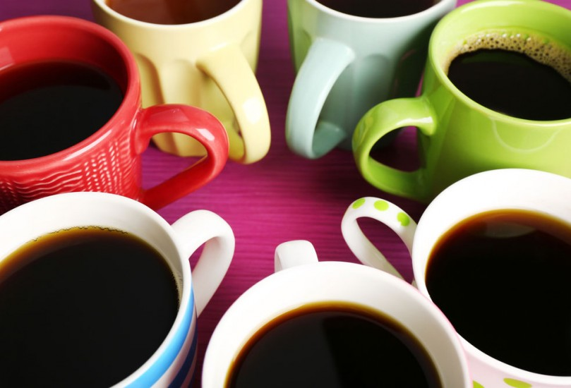 colourful-coffee-mugs-809x550